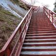 遊歩道へ続く階段